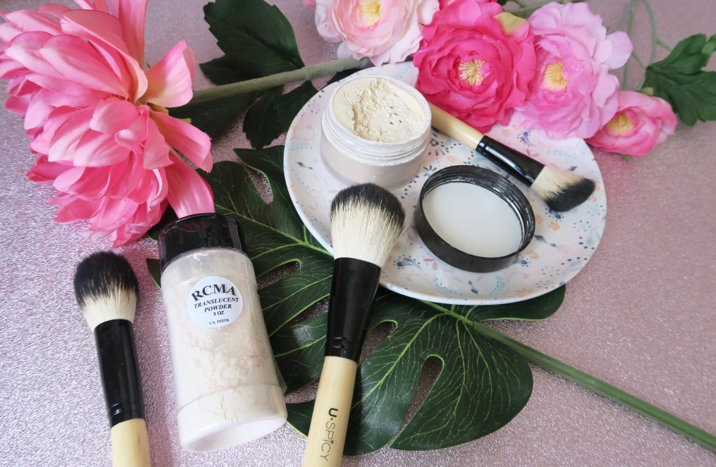 "Translucent powder is a product I find it pretty hard to live without. I can hardly remember the days before I used to ""bake"" my concealer. I dread to think of the oily and creased mess my face used to be before I discovered this powdery goodness. I've been using Laura Mercier translucent powder for years and it has been a firm favourite of mine. Recently I was looking into other options though, with so many dupes for holy grail products around these days I wondered if there was a cheaper alternative that was just as good of a performer. So today I present, the translucent powder showdown."